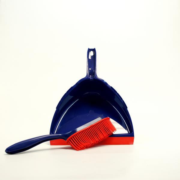 Kehrgarnitur Kunststoff mit synthetischen Gummiborsten, Schaufel oval mit extra große Lippe